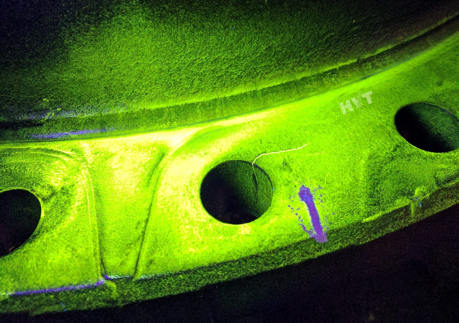 UV Non Destructive Testing of CAT D10 Hub